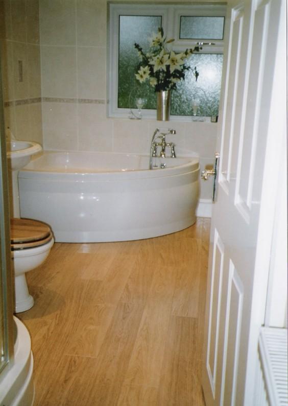 Small and cozy modern bathrooms designs for Cozy bathroom designs