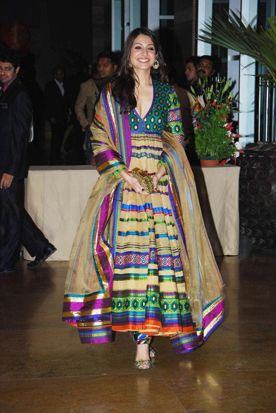 anushka-sharma-ritesh-genelia-wedding