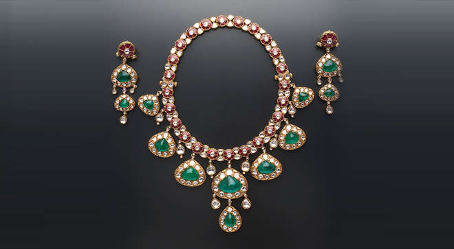 Emeralds Jewellery from Amrapali Jewellery