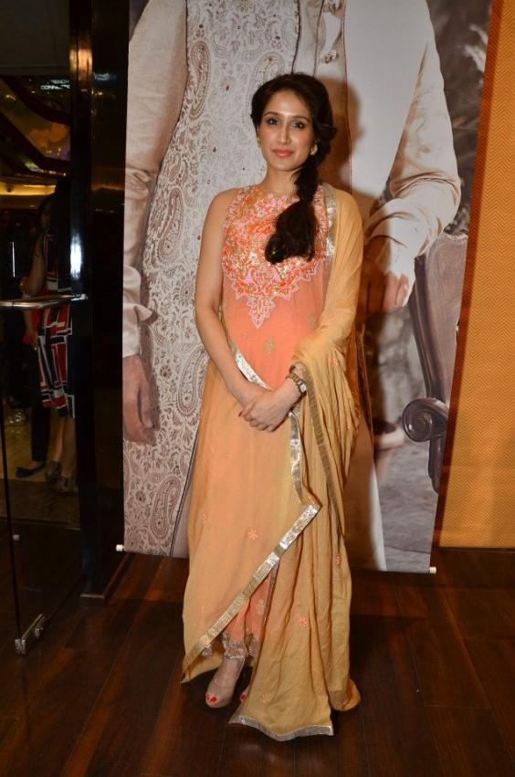 Sagarika Ghatge looks pretty in an Anita Dongre ensemble