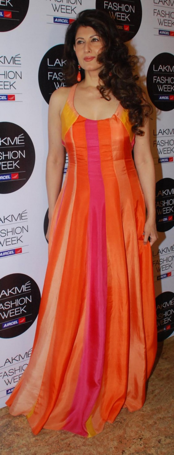 Sangeeta Bijlani in a long flowy Anita Dongre multi-colour handpainted gown at LFW 2012