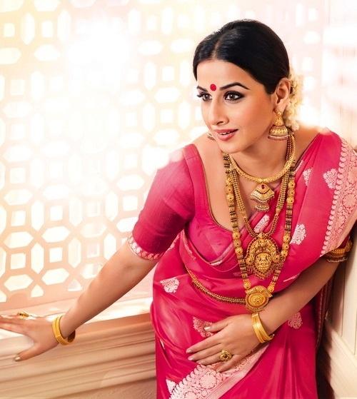 vidya-balan-wearing-heavy-gold-jewellery