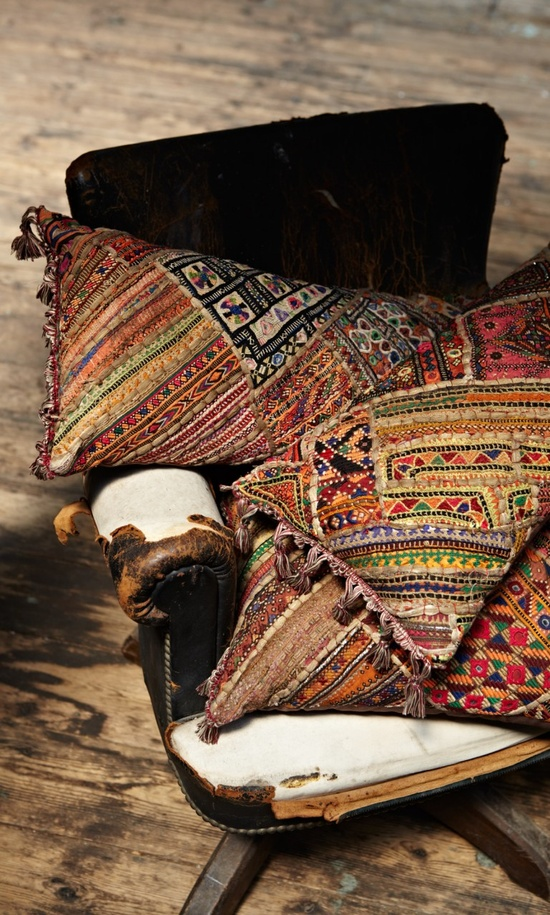 kelim cushions plumo