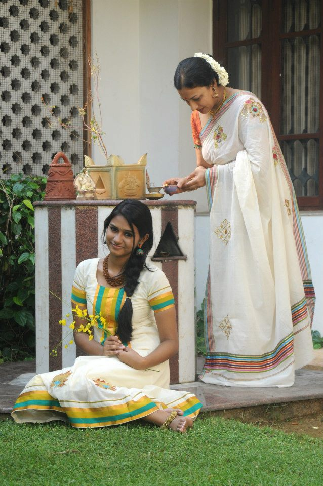 vedhika-vishu-collection-designer-kerala-kasavu-sarees-chudidars