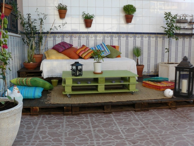 garden-furniture-wooden-pallets