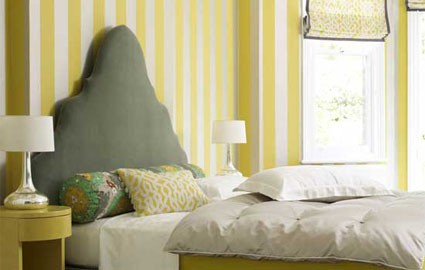 yellow-striped-wall-in-bedroom-0210