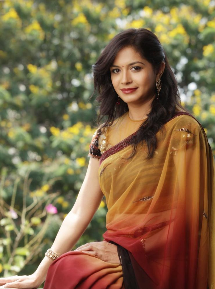 telugu-singer-sunitha-designer-sarees-collection