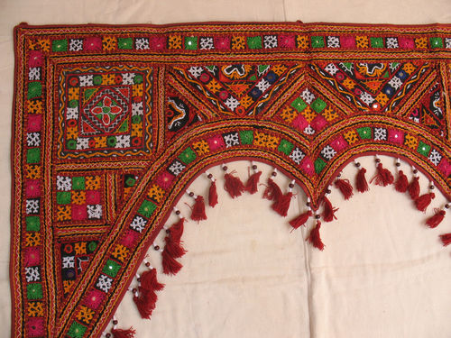 RABARI-HAND-EMBROIDERY-MIRROR-BANJARA-TRIBAL-ETHNIC_57