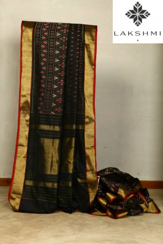 Soft Silk Sari which is complemented by a beautiful ikat design