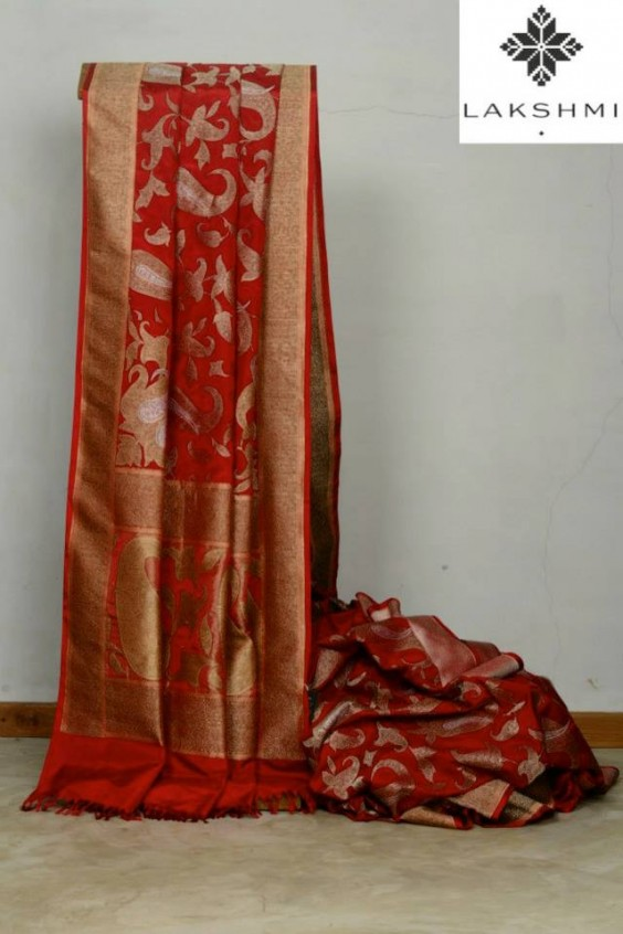 red banaras saree