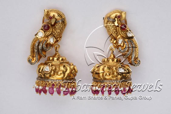 peacock-shaped-jhumkis