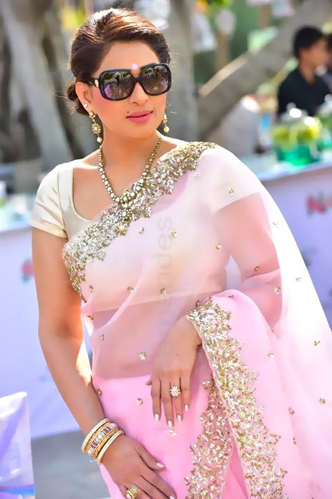 shreedevi chowdhary in beautiful_uncut-diamond_set_from_MBS_jewellers_Bashherbagh