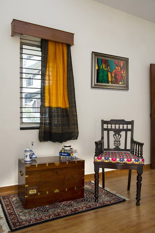 Uniquely crafted antique furniture auraz designs for Indian home decor stores